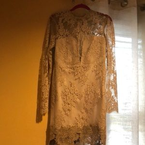 Saylor Brand premier Lace dress beige open back